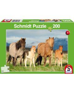 Puzzle Schmidt pentru copii 200 piese: Familie de cai