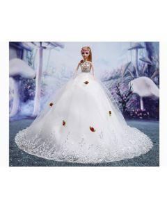Papusa cu rochie de mireasa cu flori